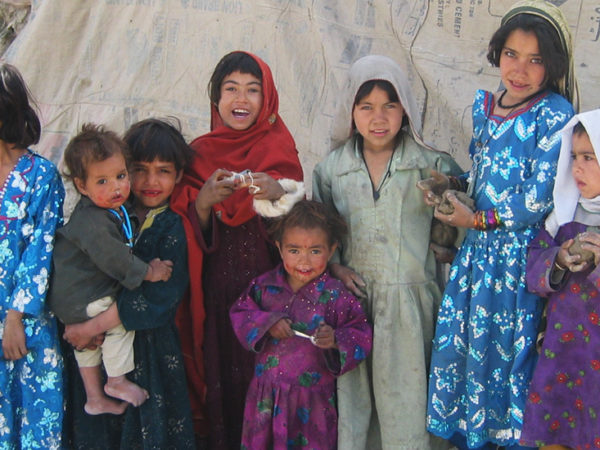 Ayuda para las familias afganas refugiadas en Pakistán - 2821